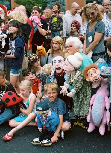 THE VENTRILOQUISTS CONVENTION by Gisèle Vienne (music: KTL) @ Puppentheater