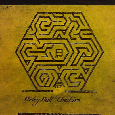 O))) Sources of Verona & Buda labyrinth collection