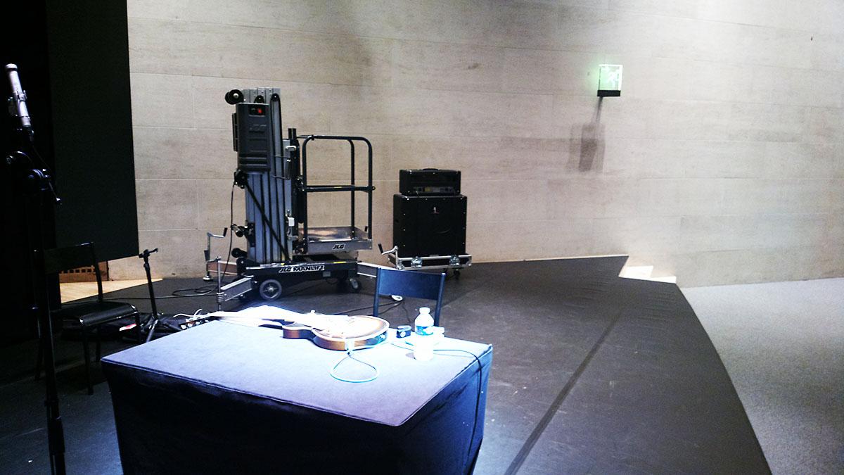 """Performance of Alvin Lucier's """"Criss Cross"""" at Musée du Louvre last night"""