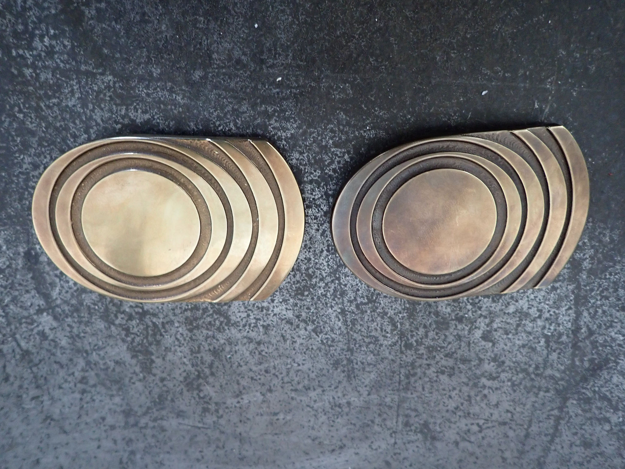 O))) belt buckle production, Czech February 2019